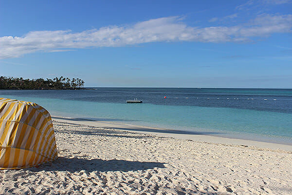 Lyford-Cay-beach
