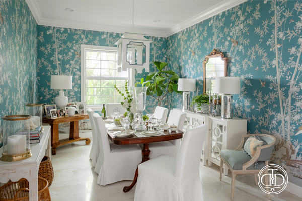 Elegant Chinoiserie Dining Room