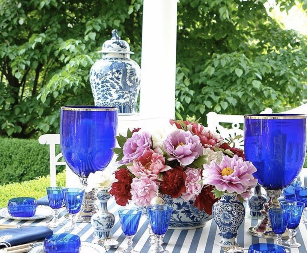 Beautiful table design by Carolyne Roehm